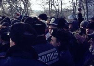 ВО Свобода - памятник Ленину - В Ахтырке прошла акция протеста против восстановления памятника Ленину