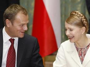 Тимошенко в конце апреля посетит Польшу