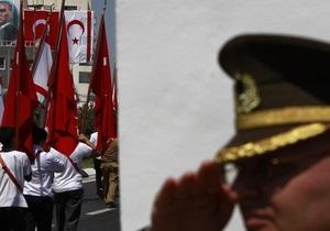 В Турции обвиненных в заговоре военных отправили на пенсию