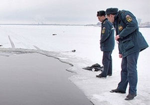 В Киеве под лед провалился гражданин Вьетнама