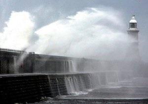 погода в Украине - В Крыму на завтра объявлено штормовое предупреждение
