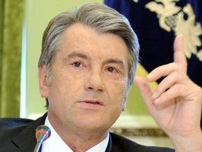 Ющенко приостановил решение Кабмина об увольнении Монтрезора