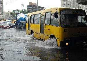 КГГА: За минувшие выходные в Киеве подтопило несколько улиц