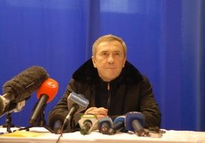Черновецкий пообещал ко Дню Победы отремонтировать все дороги и возродить тимуровское движение
