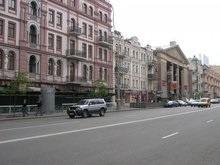 В центре Киева из-за опасности взрыва в кафе эвакуировали людей