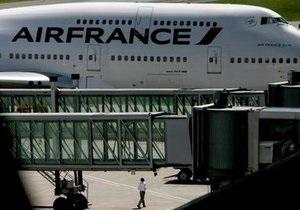 Рейс Сан-Паулу - Париж отменен из-за повреждения фюзеляжа самолета