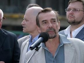 В Москве избит известный правозащитник Лев Пономарев