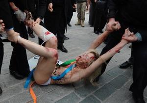 Против FEMEN не будут возбуждать уголовное дело за топлес-акцию в Стамбуле
