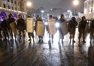 Блогеры: В Москву стягиваются внутренние войска