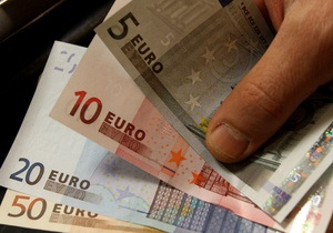 Евро и рубль на межбанке продолжают снижение