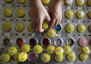 Эксперты: Всего 10% больных СПИДом в Украине получают необходимые лекарства