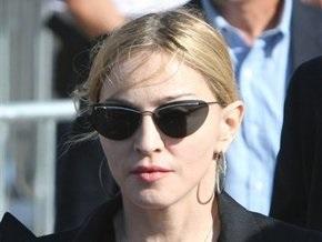 Мадонна посетила пострадавших при обрушении сцены в Марселе