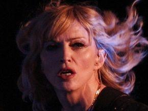 Польские католики требуют отменить концерт Мадонны в Варшаве