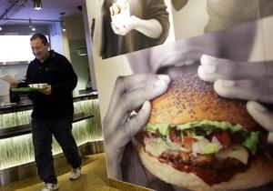 Европейская организация потребителей просит ограничить рекламу фаст-фудов