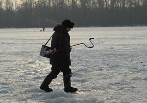 Украинцев призвали не выходить на тонкий лед