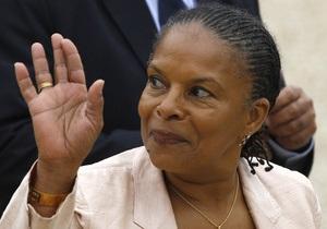 Во Франции из тюрьмы во время визита нового министра юстиции сбежал заключенный