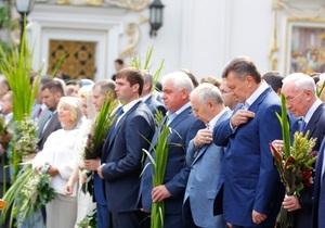 Наместнику Лавры не нравится, что охранники Януковича заходят в храм с собаками и рациями