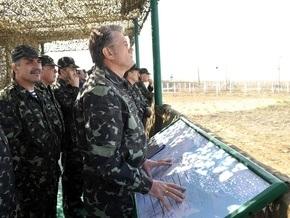 Ющенко: Нехватка денег довела армию до критической черты