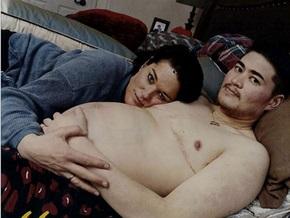 Американец, родивший дочь, снова забеременел