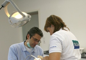 В Германии стоматолог отказалась лечить подростка по имени Джихад