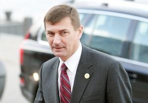 Премьер Эстонии предложил японской компании везти автомобили в Россию через Таллинн