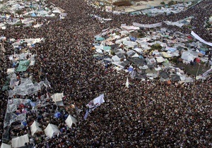 Не могу поверить, что в течение жизни увижу другого президента: египтяне празднуют отставку Мубарака