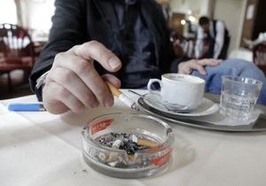Власти Пекина планируют полностью запретить курение в общественных местах
