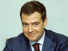 Медведев сдал документы в ЦИК: его главный соперник - Жириновский