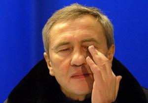 Опрос: Большинство киевлян считают, что Черновецкий должен уйти в отставку