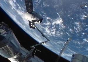 Новости науки - NASA - МКС: NASA прервало выход астронавтов в открытый космос из-за проблем со скафандром