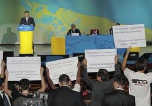 DW: Журналисты испортили праздник Януковичу