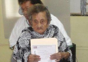 Новости Мексики  - странные новости: Жительница Мексики закончила начальную школу в 100 лет