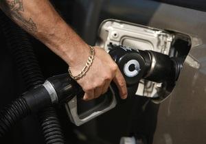 Кабмин отказался вводить пошлины на импортные нефтепродукты