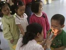 Эпидемия в Китае: Число заразившихся энтеровирусом детей выросло  до 12 тысяч
