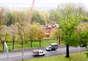 Блогер нашел в центре Киева строящуюся вертолетную площадку для Януковича