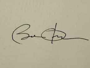 Обама подписал первый указ в качестве президента США