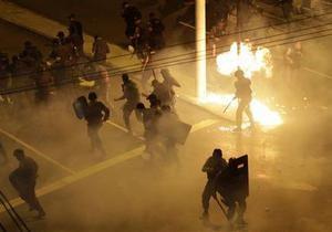 Футбол - финал Кубка конфедераций - Финал Кубка конфедераций сопровождался ожесточенными столкновениями демонстрантов с полицией
