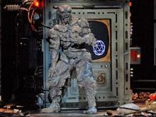 На парижской сцене человек превратился в муху-мутанта