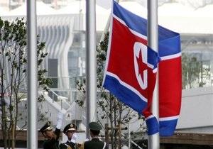 КНДР стягивает боевые вертолеты к границе с Южной Кореей - источник