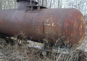 В Хмельницкой области из железнодорожной цистерны вытекло полтонны аммиачной воды