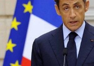 Душевнобольной француз сумел проехать во двор резиденции Саркози