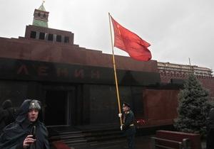 В Москве провели реконструкцию Мавзолея. Тело Ленина не выносили