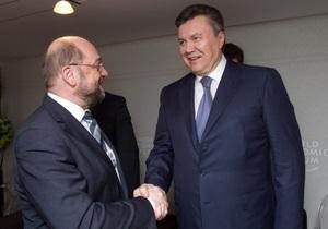 Журналист УП пишет, что Янукович якобы пообещал Западу помиловать Луценко