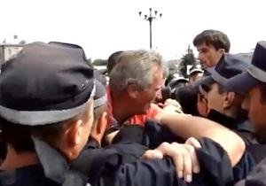Оппозиция заявила о попытке похищения фаворита выборов в Черкассах