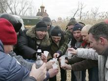Корреспондент: Белорусским властям выгодно спаивать народ