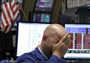 Акции на Уолл-стрит дешевеют из-за угрозы дефолта США