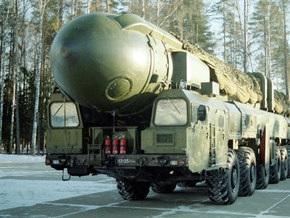 Россия произвела учебно-боевой пуск баллистической ракеты Тополь