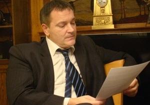 Колесниченко просит ГПУ опротестовать запрет чиновникам говорить во Львове по-русски