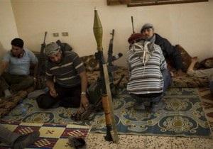Глава ливийских мятежников опроверг заявление о поставках оружия из Италии