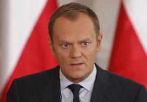 Польский премьер отправил в отставку трех генералов и 10 офицеров в связи со смоленской катастрофой